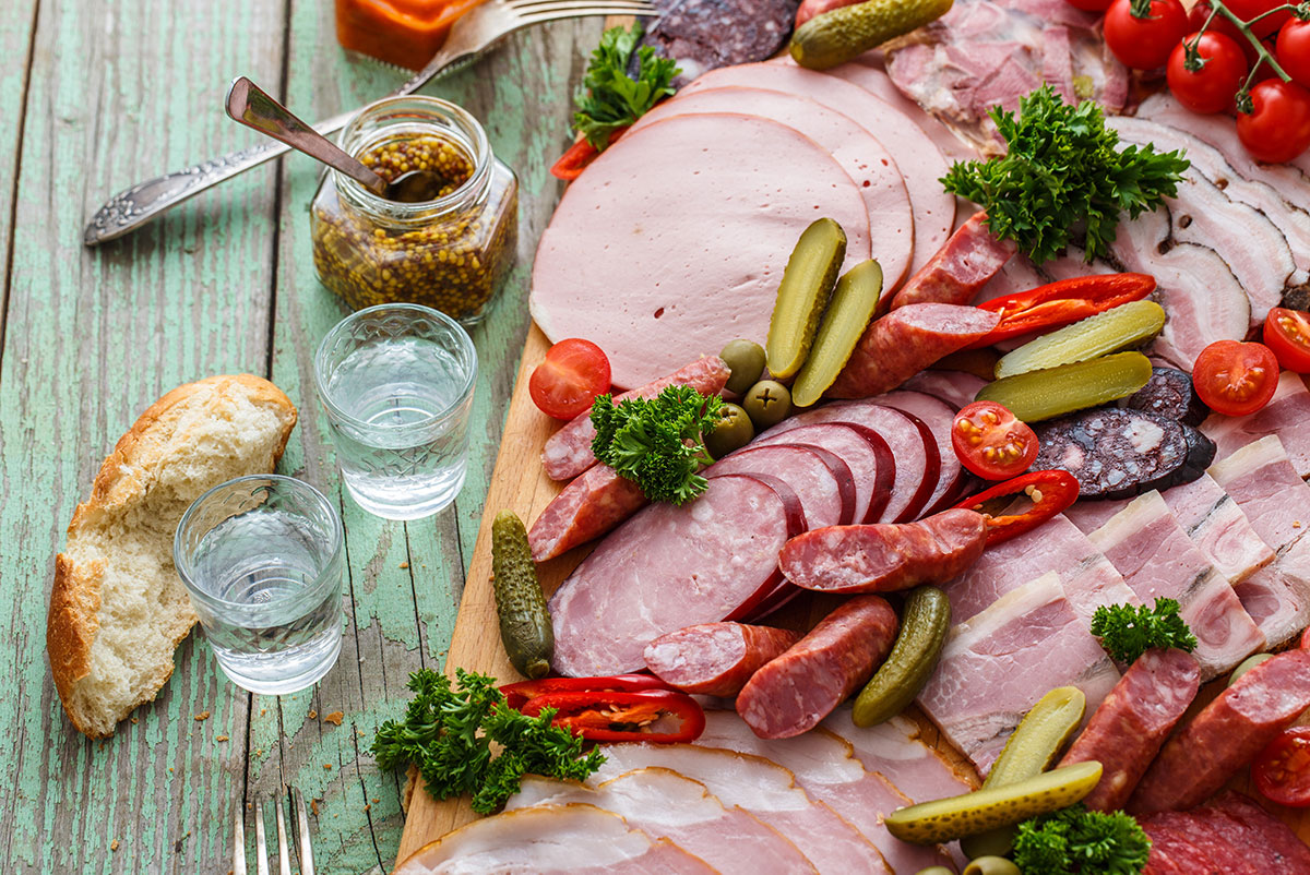 How to Make the Perfect Charcuterie Board with IDF